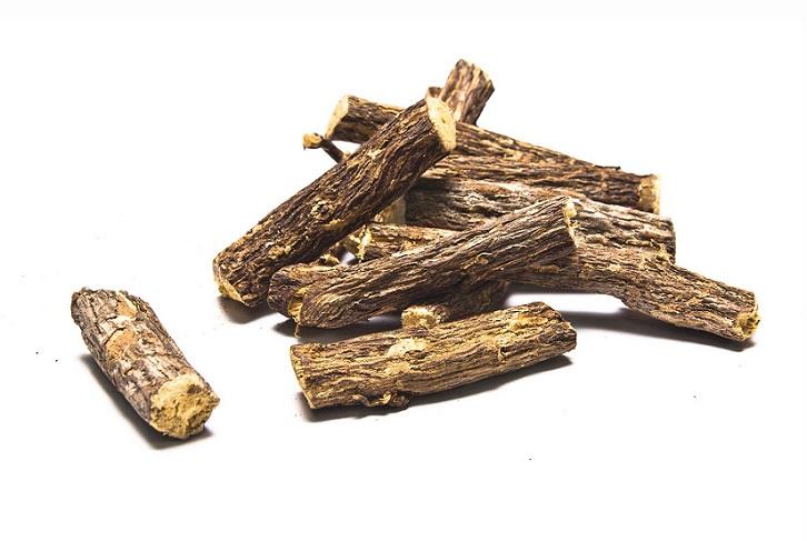 regaliz-palos raiz plantas medicinales protectoras estomago mucosa gastrica